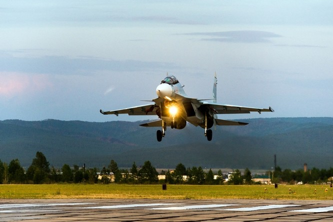 Một ngày trong căn cứ không quân chiến lược Nga ảnh 33
