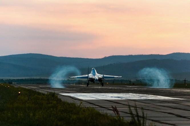 Một ngày trong căn cứ không quân chiến lược Nga ảnh 34