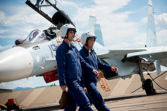 Một ngày trong căn cứ không quân chiến lược Nga ảnh 38