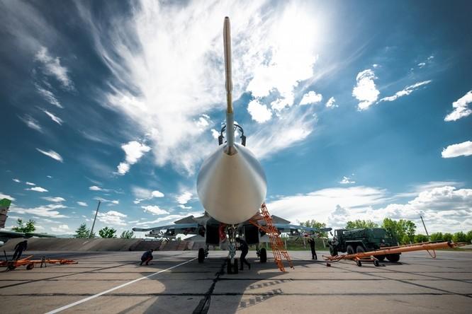 Một ngày trong căn cứ không quân chiến lược Nga ảnh 40
