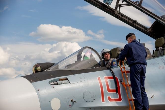 Một ngày trong căn cứ không quân chiến lược Nga ảnh 43