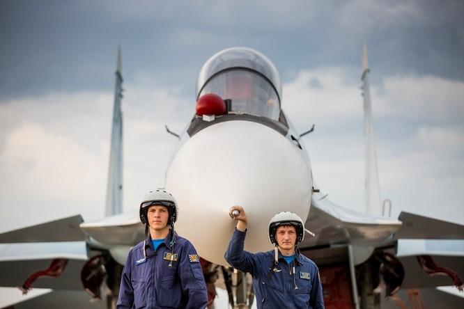 Một ngày trong căn cứ không quân chiến lược Nga ảnh 46