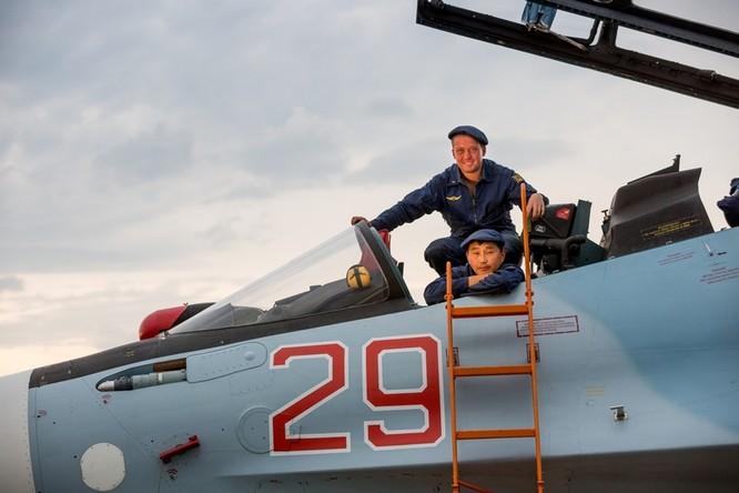 Một ngày trong căn cứ không quân chiến lược Nga ảnh 48