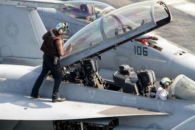 Tại sao tàu sân bay Mỹ là át chủ bài thống trị ảnh 11
