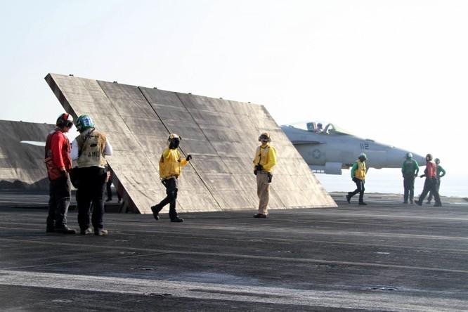 Tại sao tàu sân bay Mỹ là át chủ bài thống trị ảnh 15