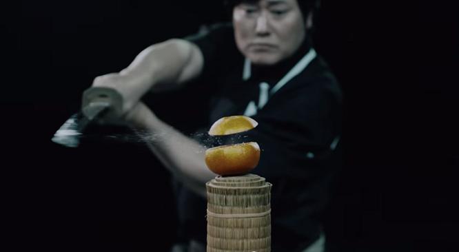 Kiếm thủ Nhật Bản chém đôi quả bóng bay với tốc độ 160 km/h ảnh 3
