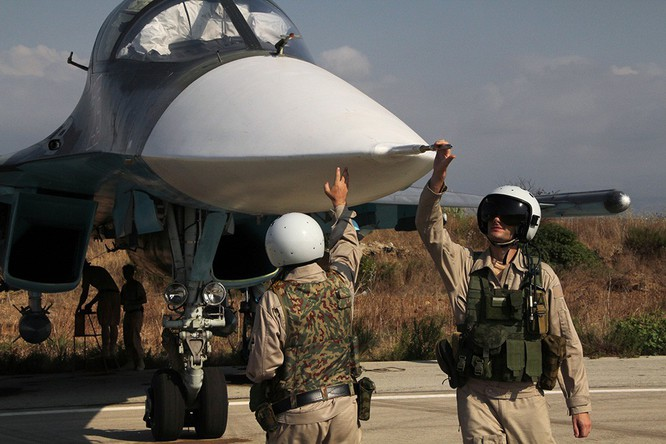 Không quân Nga tiêu diệt thêm gần 300 mục tiêu khủng bố Syria ảnh 1