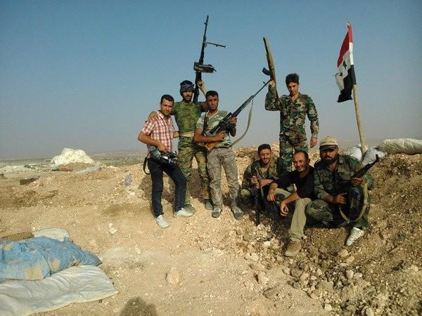 Bão lửa dồn dập mọi hướng trên toàn lãnh thổ Syria ảnh 1