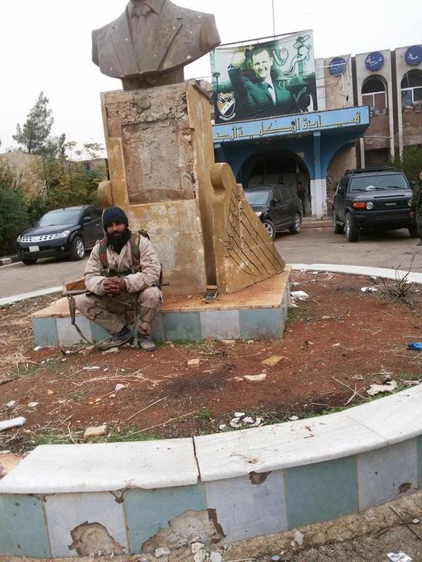 Bão lửa dồn dập mọi hướng trên toàn lãnh thổ Syria ảnh 26