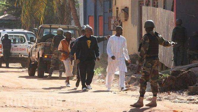 Giải cứu con tin ở Radisson Blu Hotel, Bamako, Mali ảnh 6