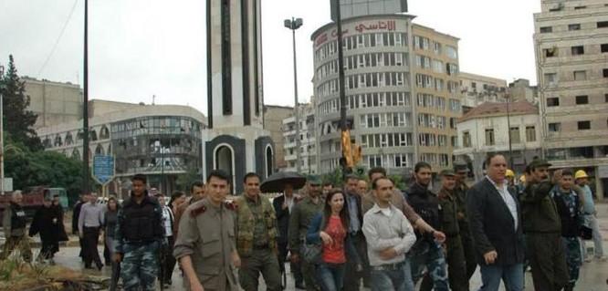 Sốc: Thành phố Homs Syria bất ngờ có hy vọng hòa bình ảnh 1