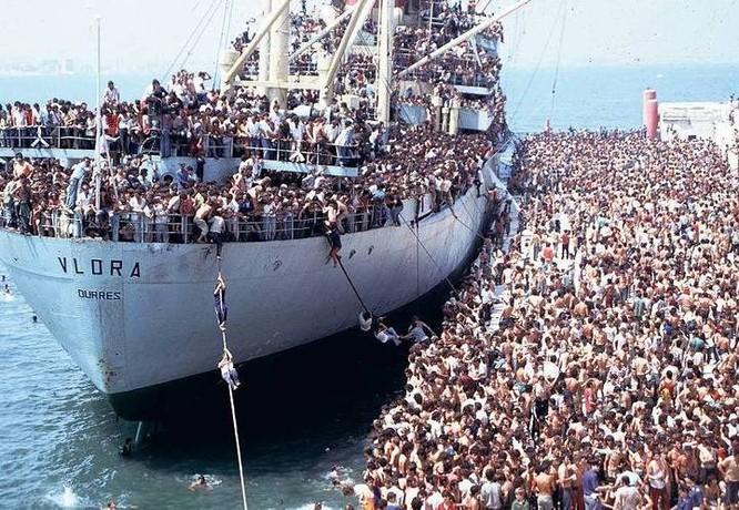 Chùm ảnh: cận cảnh kinh hoàng làn sóng người nhập cư ảnh 5