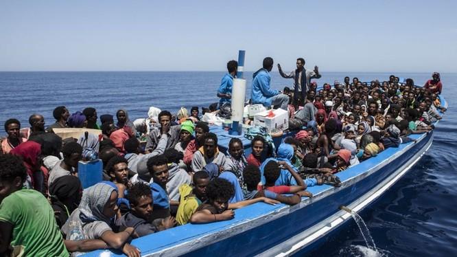 Chùm ảnh: cận cảnh kinh hoàng làn sóng người nhập cư ảnh 10