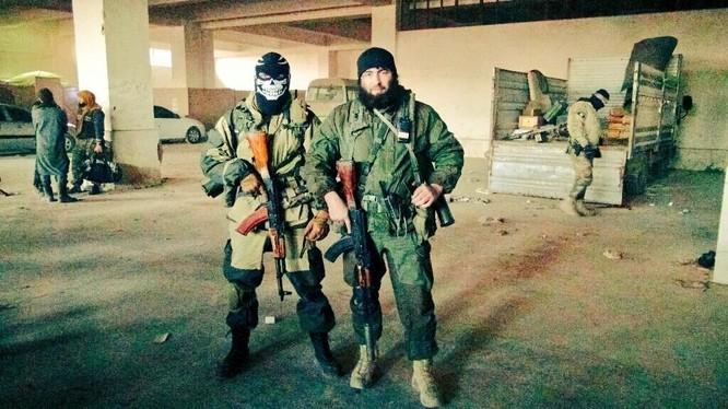 Quân đội Syria đánh ác liệt ở Latakia, tiến được 150 km ảnh 17