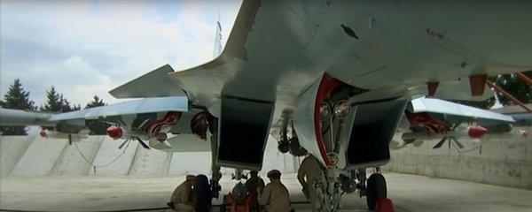 Quân đội Syria tăng cường tấn công, Nga mở hộp đen Su -24 ảnh 19