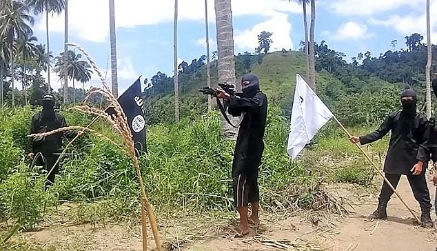 Sốc: IS tổ chức căn cứ huấn luyện khủng bố ở Philiphines ảnh 1