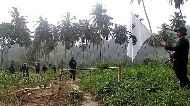 Sốc: IS tổ chức căn cứ huấn luyện khủng bố ở Philiphines ảnh 4
