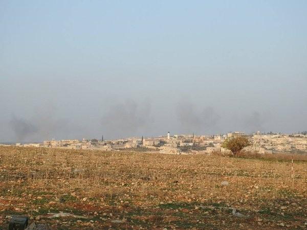 Tấn công với T-90 ở Aleppo, thế phong tỏa biên giới Thổ Nhĩ Kỳ của quân đội Syria rõ dần ảnh 6