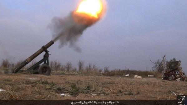 Tấn công với T-90 ở Aleppo, thế phong tỏa biên giới Thổ Nhĩ Kỳ của quân đội Syria rõ dần ảnh 9
