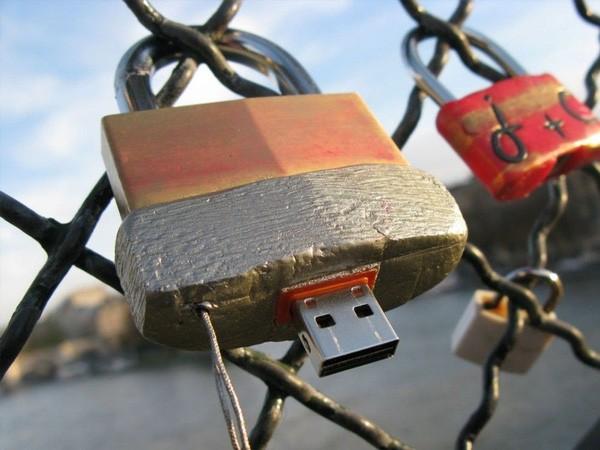 Những chiếc USB bí ẩn giấu trong bức tường trên khắp thế giới ảnh 7