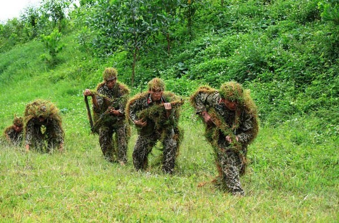 Đặc công rèn luyện thường xuyên các kỹ năng chiến đấu đặc biệt