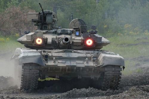 Video: Uy mãnh xe tăng T-90A trên chiến trường Aleppo, Syria ảnh 2
