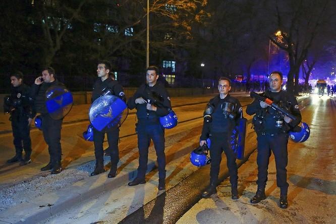 Khủng bố ở Ankara khiến 28 người thiệt mạng ảnh 6