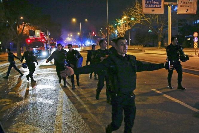 Khủng bố ở Ankara khiến 28 người thiệt mạng ảnh 9