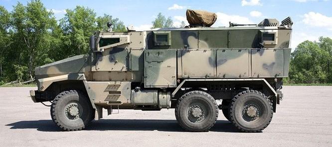 """Cận cảnh xe vận tải thiết giáp """"Taifun-U"""" chống bạo loạn, khủng bố ảnh 3"""