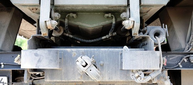 """Cận cảnh xe vận tải thiết giáp """"Taifun-U"""" chống bạo loạn, khủng bố ảnh 5"""