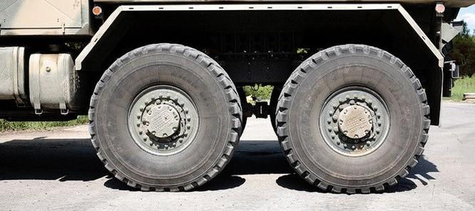 """Cận cảnh xe vận tải thiết giáp """"Taifun-U"""" chống bạo loạn, khủng bố ảnh 7"""