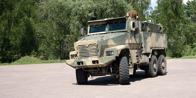 """Cận cảnh xe vận tải thiết giáp """"Taifun-U"""" chống bạo loạn, khủng bố ảnh 14"""