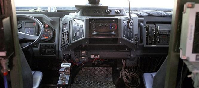 """Cận cảnh xe vận tải thiết giáp """"Taifun-U"""" chống bạo loạn, khủng bố ảnh 18"""