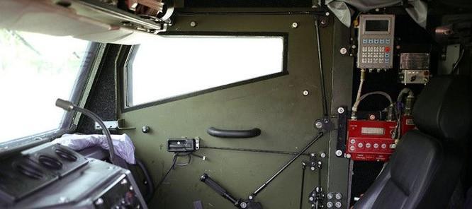 """Cận cảnh xe vận tải thiết giáp """"Taifun-U"""" chống bạo loạn, khủng bố ảnh 20"""