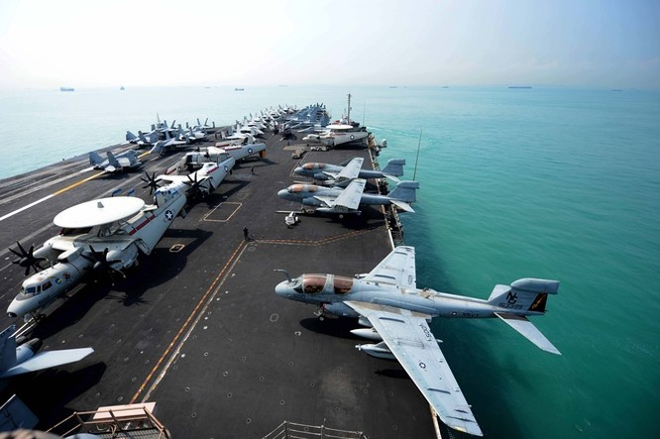 Cụm tàu sân bay chiến đấu Mỹ phô diễn uy lực ở Biển Đông ảnh 3