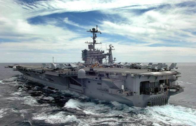 Cụm tàu sân bay chiến đấu Mỹ phô diễn uy lực ở Biển Đông ảnh 2