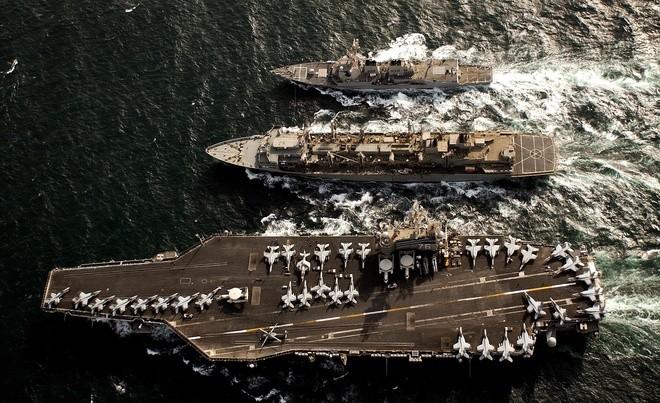Cụm tàu sân bay chiến đấu Mỹ phô diễn uy lực ở Biển Đông ảnh 10
