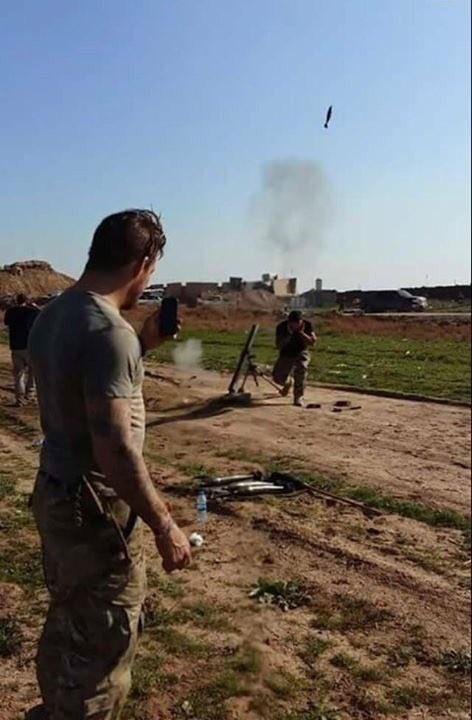 Video + photo của một cựu binh người Anh, chiến đấu trong hàng ngũ người Kurd chống IS ảnh 24