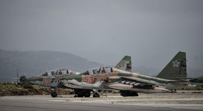 Ngày làm việc của các phi công Nga ở căn cứ không quân Hmeymim ảnh 2