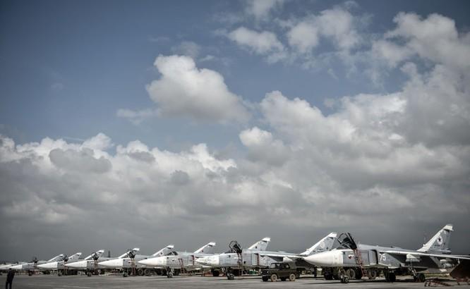 Ngày làm việc của các phi công Nga ở căn cứ không quân Hmeymim ảnh 7