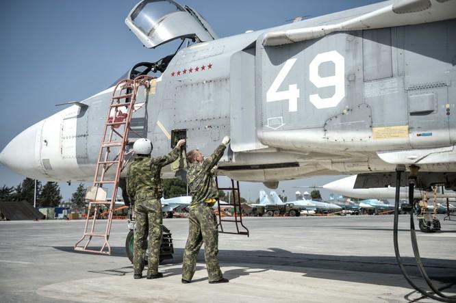 Ngày làm việc của các phi công Nga ở căn cứ không quân Hmeymim ảnh 8