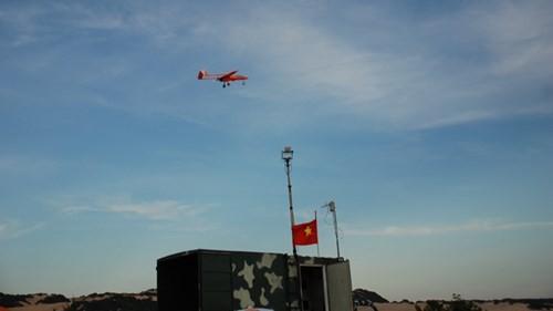 Máy bay không người lái do Việt Nam tự sản xuất tiến hành bay thử nghiệm