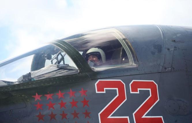 Phi công Nga trở về từ Syria được đón tiếp như những người hùng ảnh 3