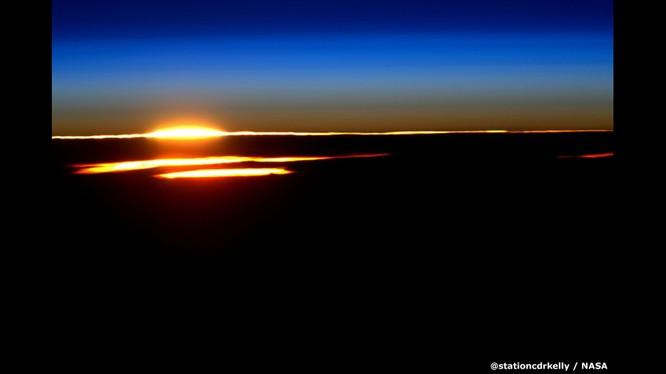 Những bức ảnh kỳ thú của Trái đất từ trạm không gian ISS ảnh 14