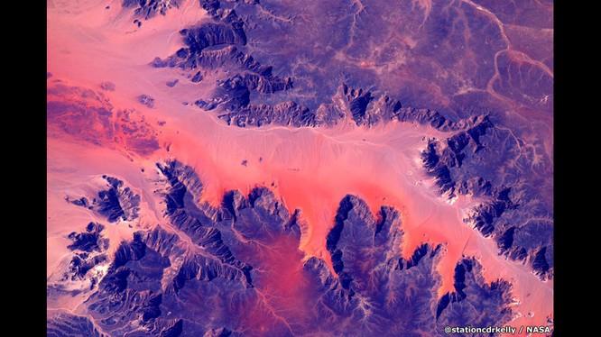 Những bức ảnh kỳ thú của Trái đất từ trạm không gian ISS ảnh 4