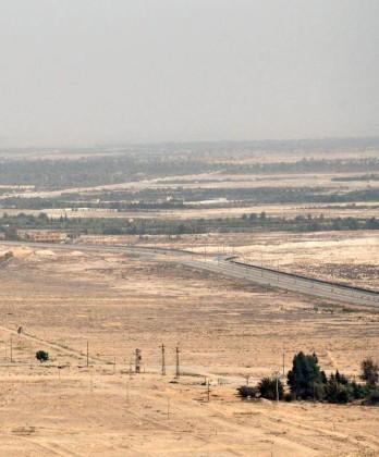 Video + Ảnh: Quân đội Syria đánh vào trung tâm thành phố Palmyra ảnh 8