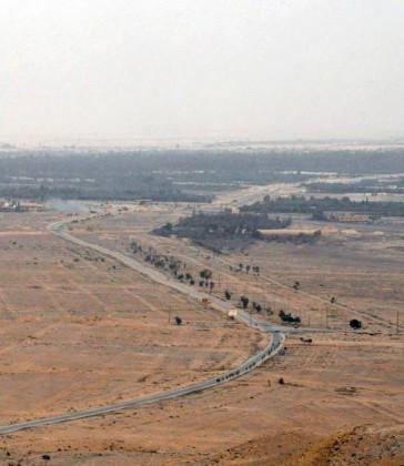 Video + Ảnh: Quân đội Syria đánh vào trung tâm thành phố Palmyra ảnh 10
