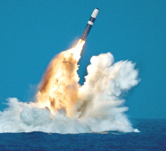 """""""Kẻ hủy diệt"""" Mỹ đến Biển Đông khiến Trung Quốc 'lạnh sống lưng' ảnh 7"""