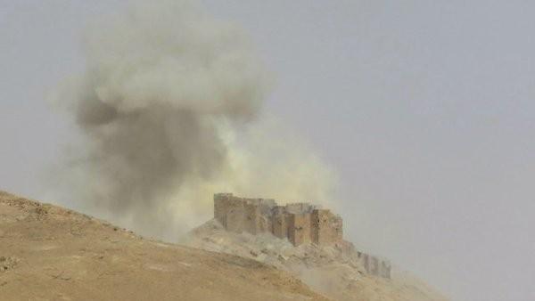 Video + Ảnh: Ác liệt trận chiến giành thành phố cổ Palmyra ảnh 7