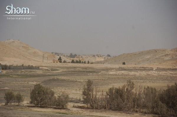 Video + Ảnh: Ác liệt trận chiến giành thành phố cổ Palmyra ảnh 8